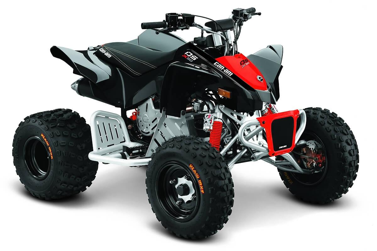 DS 90 X ein ATV in Black mit Can-Am Red von Can-Am - Modelljahr 2020 - 0003LLB00